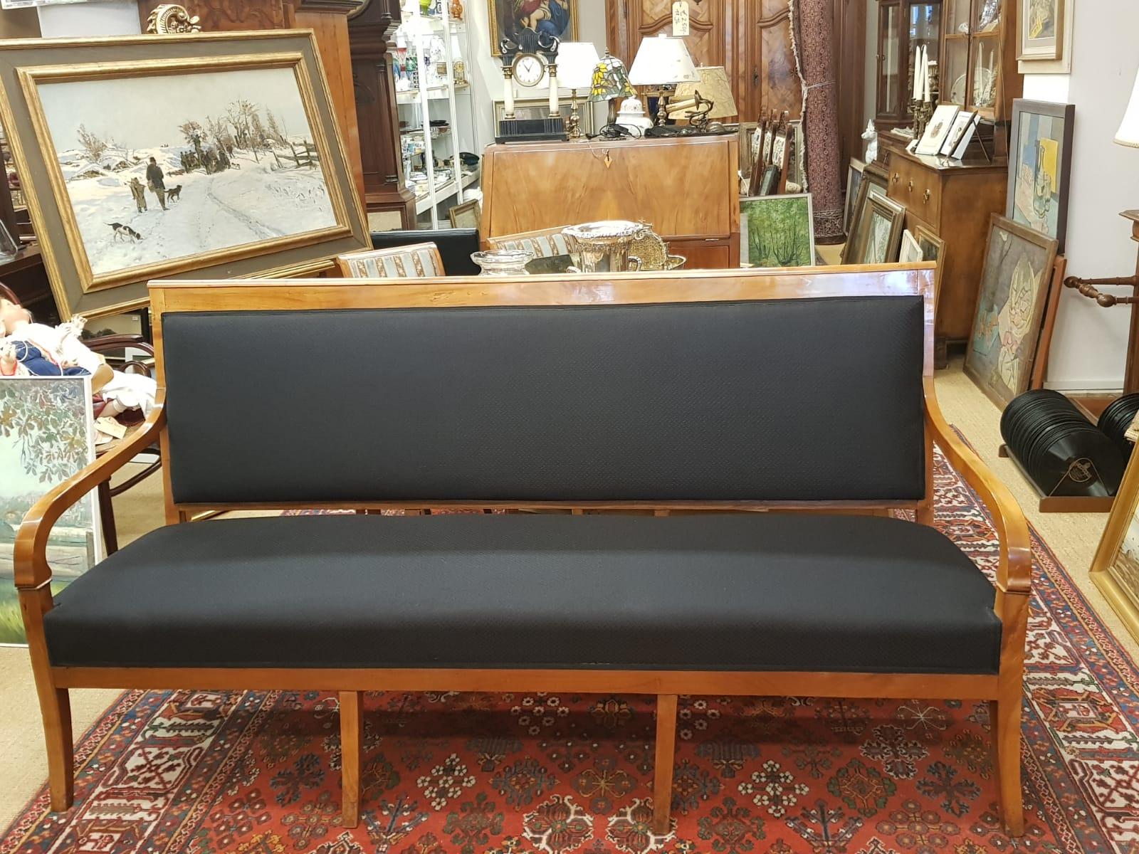 Biedermeier-Sofa • Antiquitäten