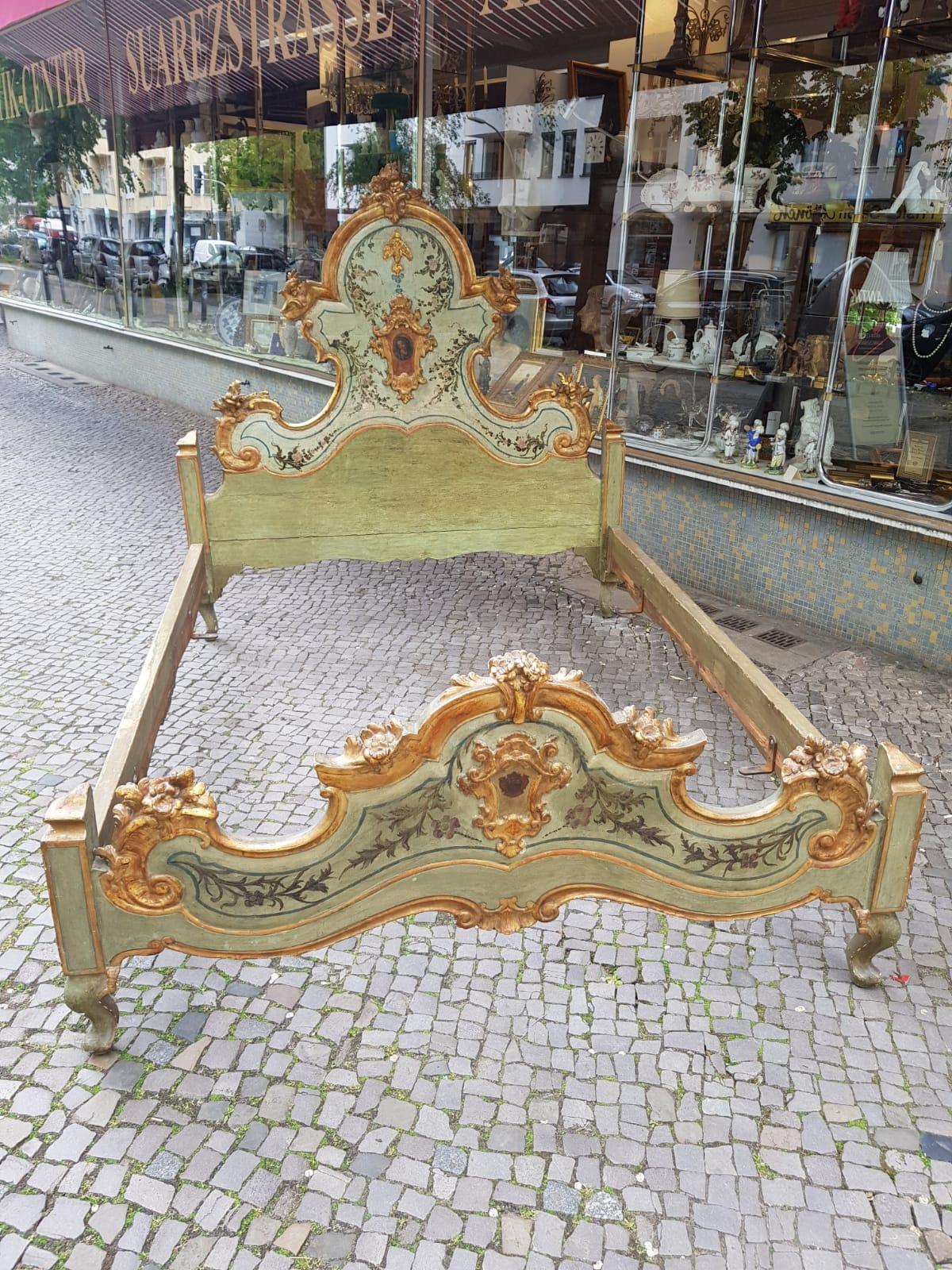 Barockes Bett • Antiquitäten
