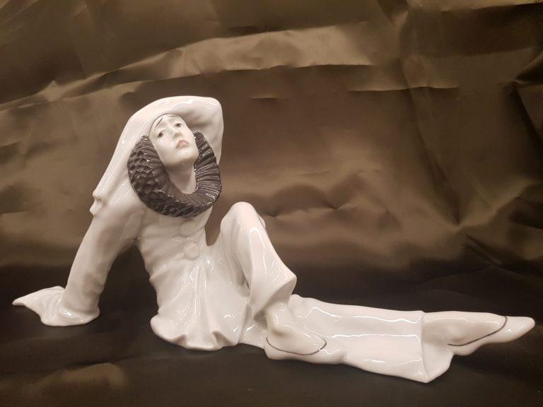 Sitzender Pierrot Heubach • Antiquitäten