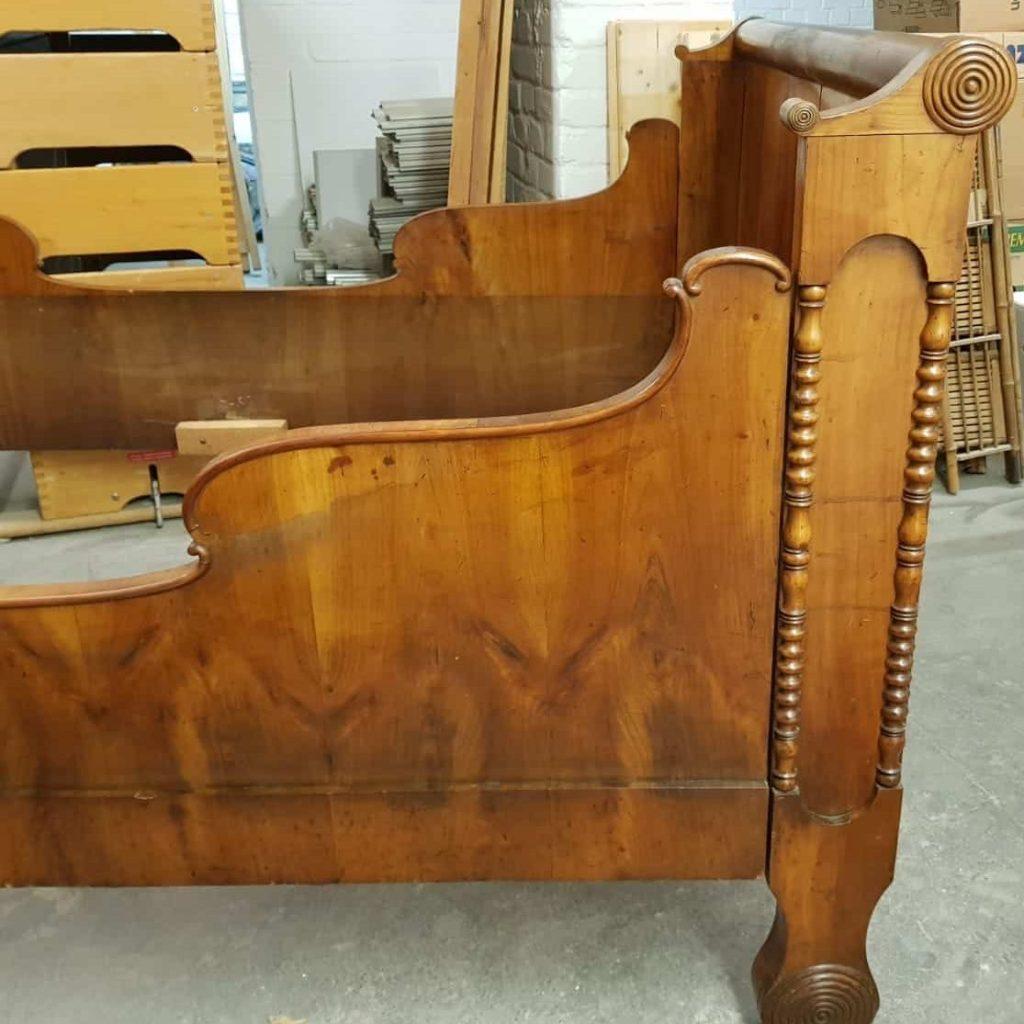 Möbel/Holzobjekte • Antiquitäten
