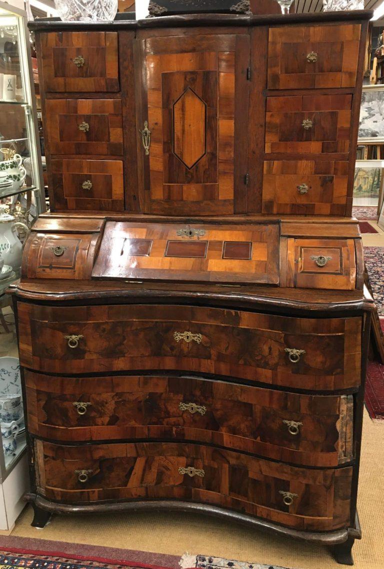 Barock-Aufsatzsekretär • Antiquitäten