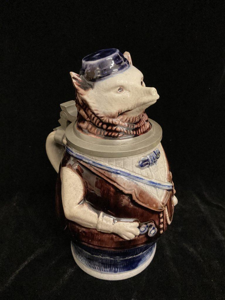 Trinkkrug Igel • Antiquitäten