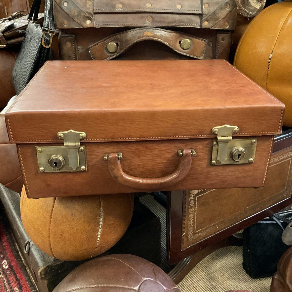 Koffer • Antiquitäten