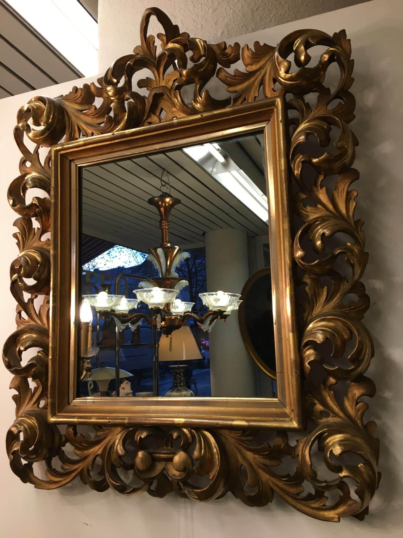 Wandspiegel Schnitzwerk • Antiquitäten