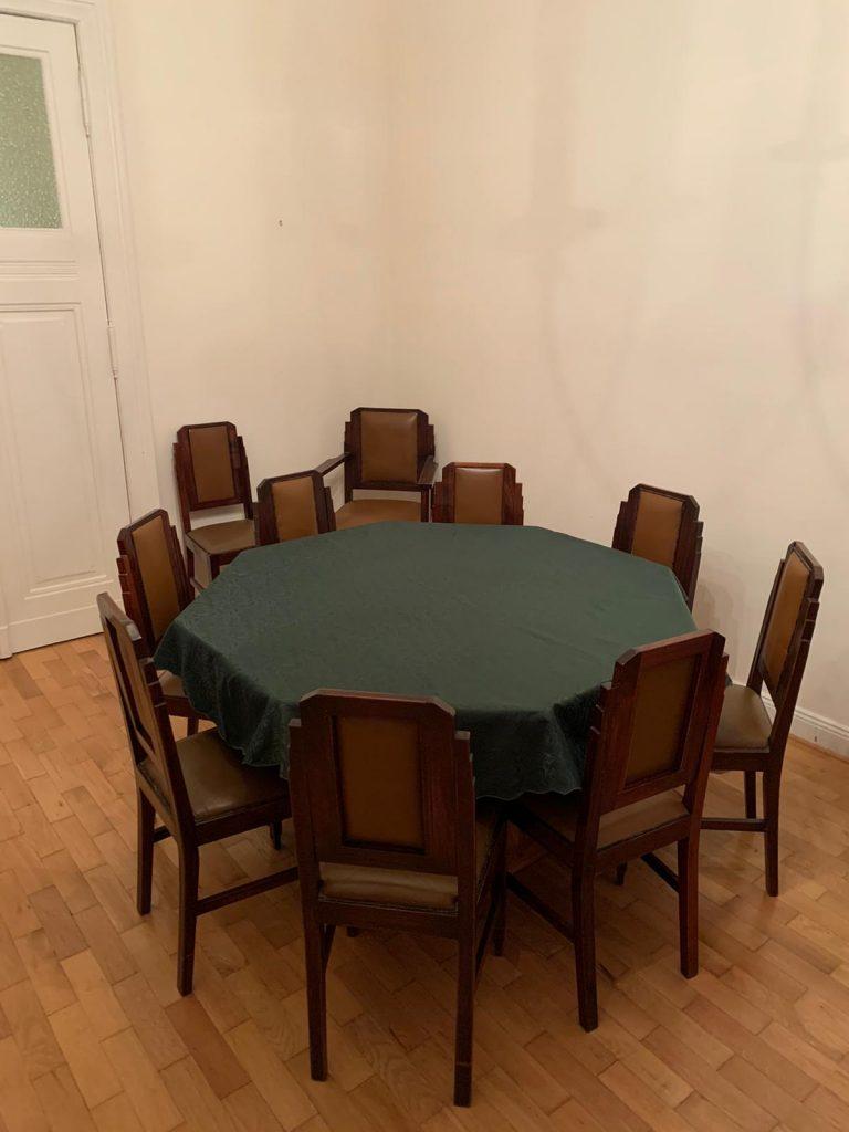Art Deco Tisch und Stühle